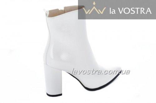 Ботинки женские Weide 7028 (весенне-осенние, белый, эко-лак)